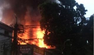 Nhân chứng run run kể lại vụ cháy kinh hoàng trên phố Đê La Thành