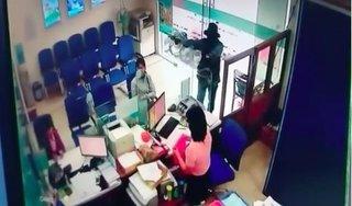 Nghi phạm cướp ngân hàng ở Tiền Giang khai uống thuốc độc khi bị bắt