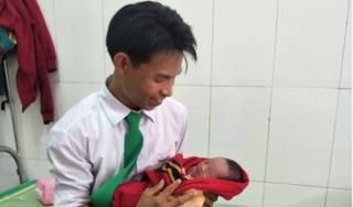 Hà Tĩnh: Tài xế taxi Mai Linh đỡ đẻ cho sản phụ ngay trên xe