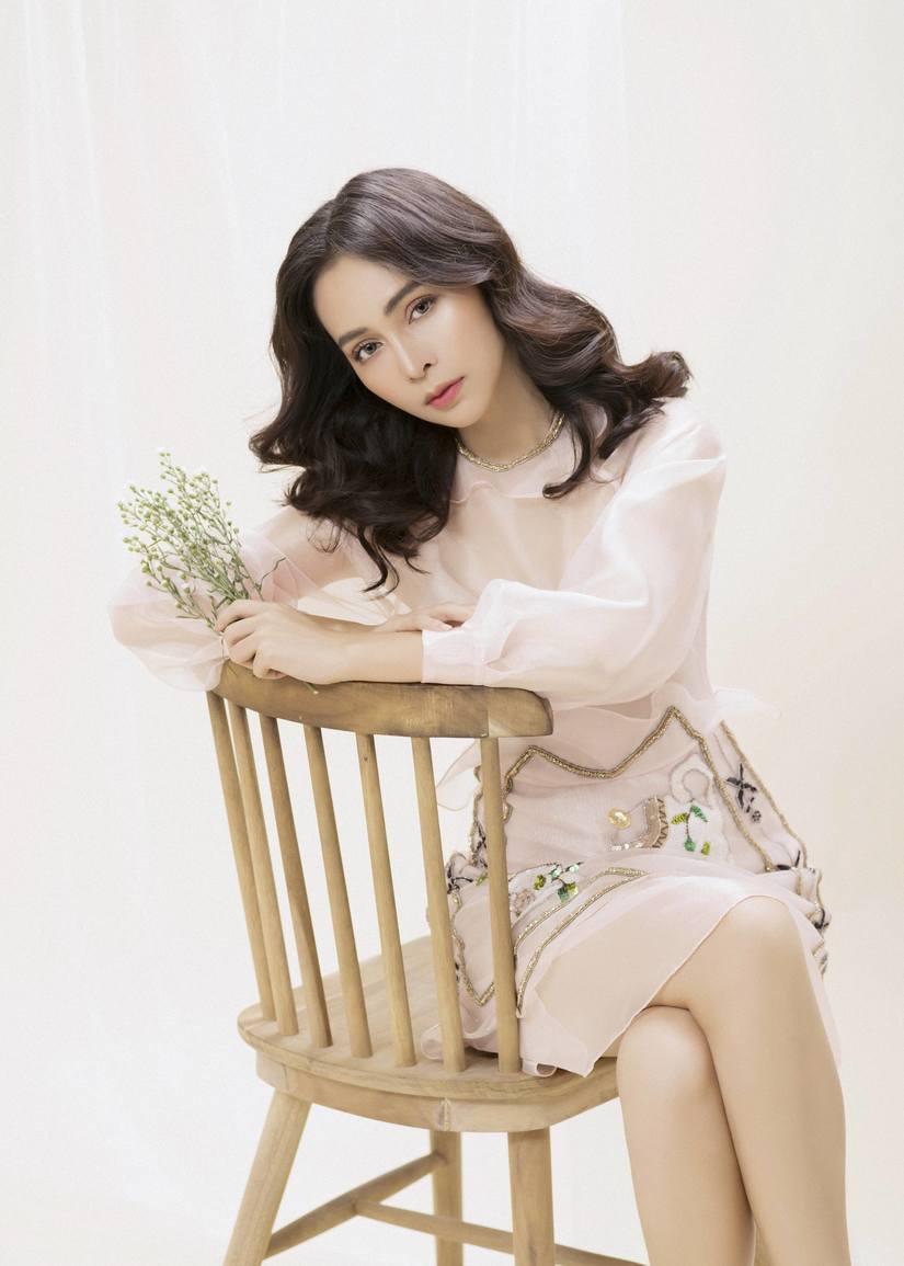Quán quân Duyên dáng Bolero Trần Mỹ Ngọc: 'Mẹ sinh tôi ra khi mẹ đã gần 50 tuổi'