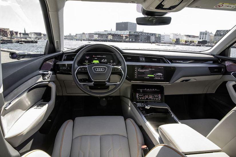 Audi chính thức ra mắt xe ô tô chạy điện