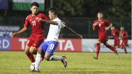 HLV Vũ Hồng Việt nói gì khi U16 Việt Nam thua bạc nhược trước Ấn Độ?