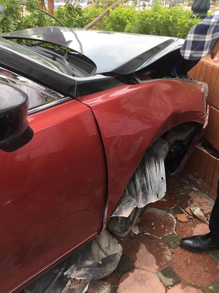 Xe Mazda 3 phóng tốc độ cao gây náo loạn trên phố Hà Nội tiếp tục gây tai nạn2