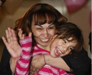 Con gái đã chết 6 năm bởi hỏa hoạn bỗng trở về như một phép màu