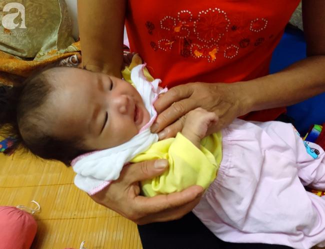 Tắm đêm sau sinh khiến bà mẹ 18 tuổi đột tử, để lại 2 con nhỏ8