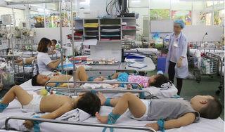 Bệnh tay chân miệng tăng đột biến: Khi nào trẻ cần nhập viện?