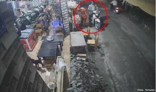 Clip: Thanh niên đi xe SH cướp thùng bia của cửa hàng tạp hóa