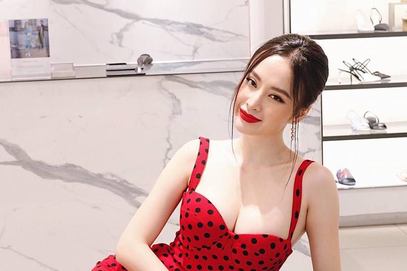 Đỏ mắt với tư  thế quảng cáo của Angela Phương Trinh