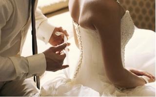 Trải nghiệm kinh hoàng đêm tân hôn, chồng tra tấn vì không có dấu hiệu 'trinh tiết'