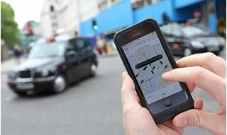 Đi taxi Uber vụng trộm với người tình, ngã ngửa khi thấy chồng là tài xế
