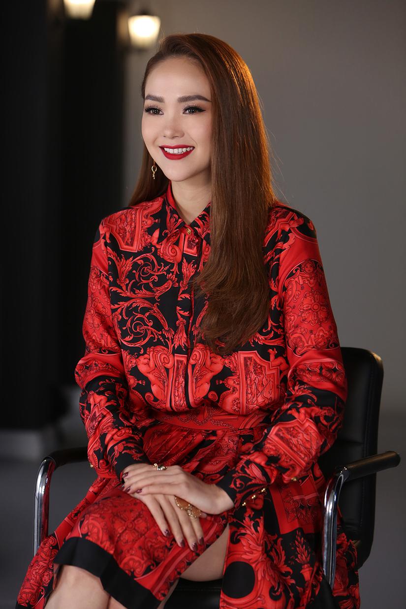 Minh Hằng nói gì khi bị Kiko Chan chê 'thiếu chuyên nghiệp', 'không nên làm HLV'?