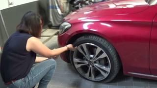 Vụ xe Mercedes C250 mua 5 tháng nổ lốp: Vi phạm Luật bảo vệ người tiêu dùng?