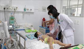 Hà Nội: 10 trẻ mắc tay chân miệng biến chứng nặng, dương tính với EV71