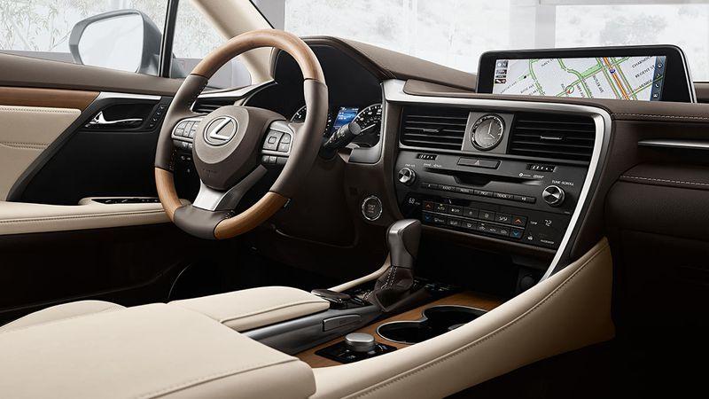 Lộ giá bán 2 mẫu xe phong cách của Lexus tại Việt Nam2