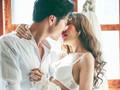 Tê cứng vì chồng có sở thích 'hứng' lên là đòi yêu bất kể lúc nào