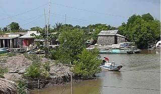 Chở vật liệu qua sông, người đàn ông bị điện giật tử vong