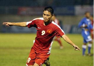 Cầu thủ Nam Định tỏa sáng rực rỡ trên đất Hàn Quốc