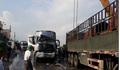 5 ô tô tông liên hoàn trên quốc lộ 1A, giao thông ùn tắc nghiêm trọng