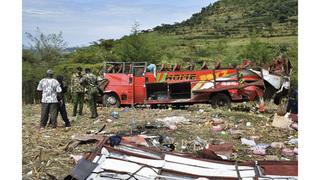 Hiện trường kinh hoàng vụ xe buýt lăn xuống dốc khiến 50 người tử vong