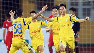 HLV Nguyễn Văn Sỹ nói gì trước trận quyết đấu với Hà Nội B?