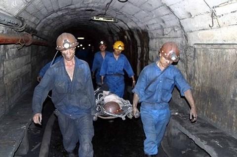 Quảng Ninh: Tụt lò than, 3 người thương vong