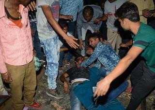 Hiện trường 60 người chết đầy ám ảnh sau vụ tàu hỏa lao vào đám đông