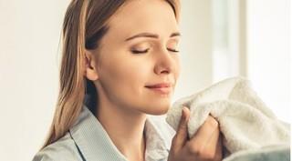 Ngửi áo bẩn của người yêu giúp giảm stress, căng thẳng