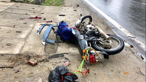 Hai du khách nước ngoài tử vong ở Hà Giang vì va chạm xe đầu kéo