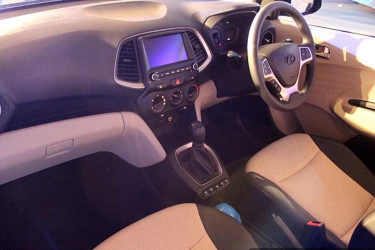 Ra mắt Hyundai Santro 2019 giá từ 123 triệu3