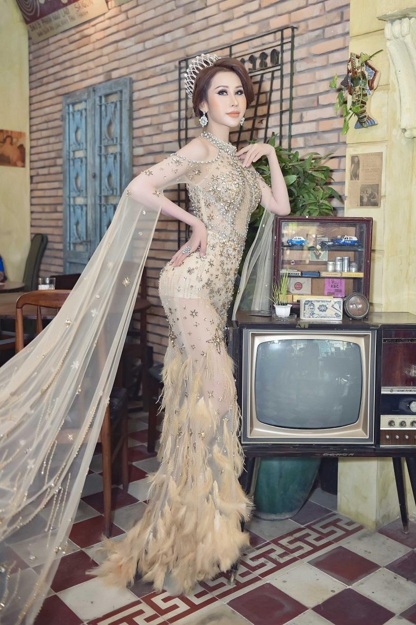 Hoa hậu Chi Nguyễn kiêu sa và duyên dáng trong bộ ảnh mới8