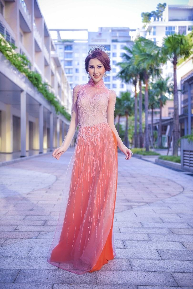 Hoa hậu Chi Nguyễn kiêu sa và duyên dáng trong bộ ảnh mới