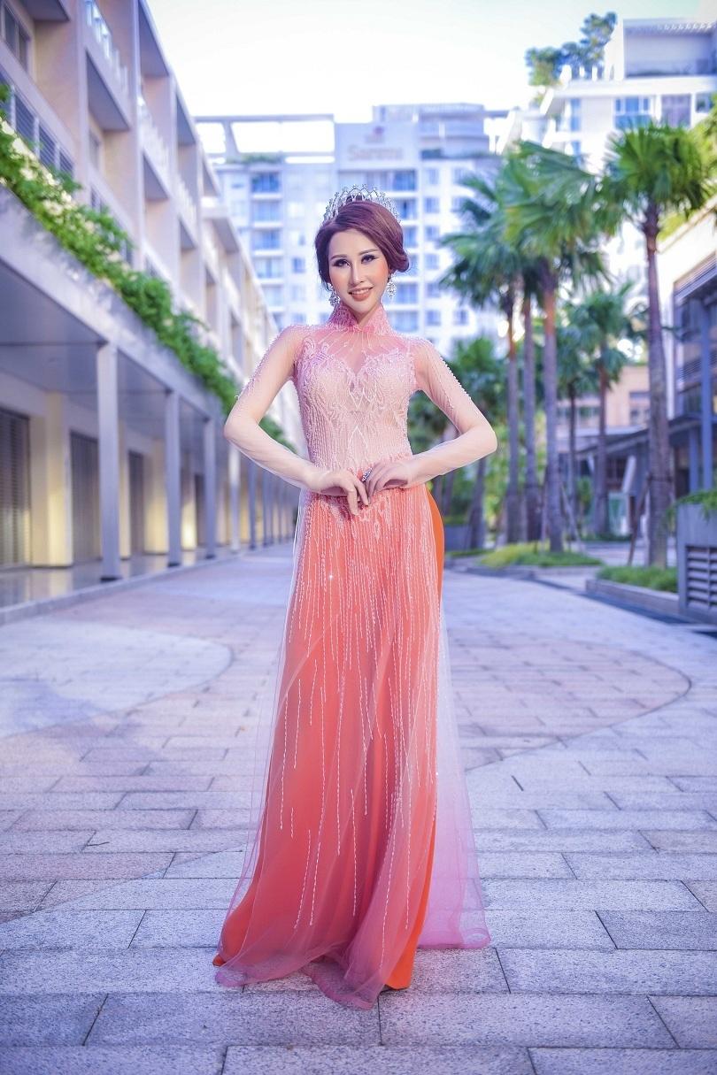 Hoa hậu Chi Nguyễn kiêu sa và duyên dáng trong bộ ảnh mới4