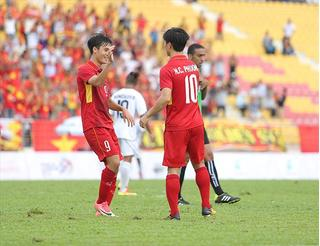 Báo Nhật: Các cầu thủ HAGL và bầu Đức đã nâng tầm bóng đá Việt Nam