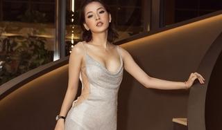 Chi Pu mặc váy hở bạo, ôm sát đường cong khoe hình thể