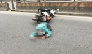 Hà Nam: Va chạm với xe container, một phụ nữ người nước ngoài tử vong