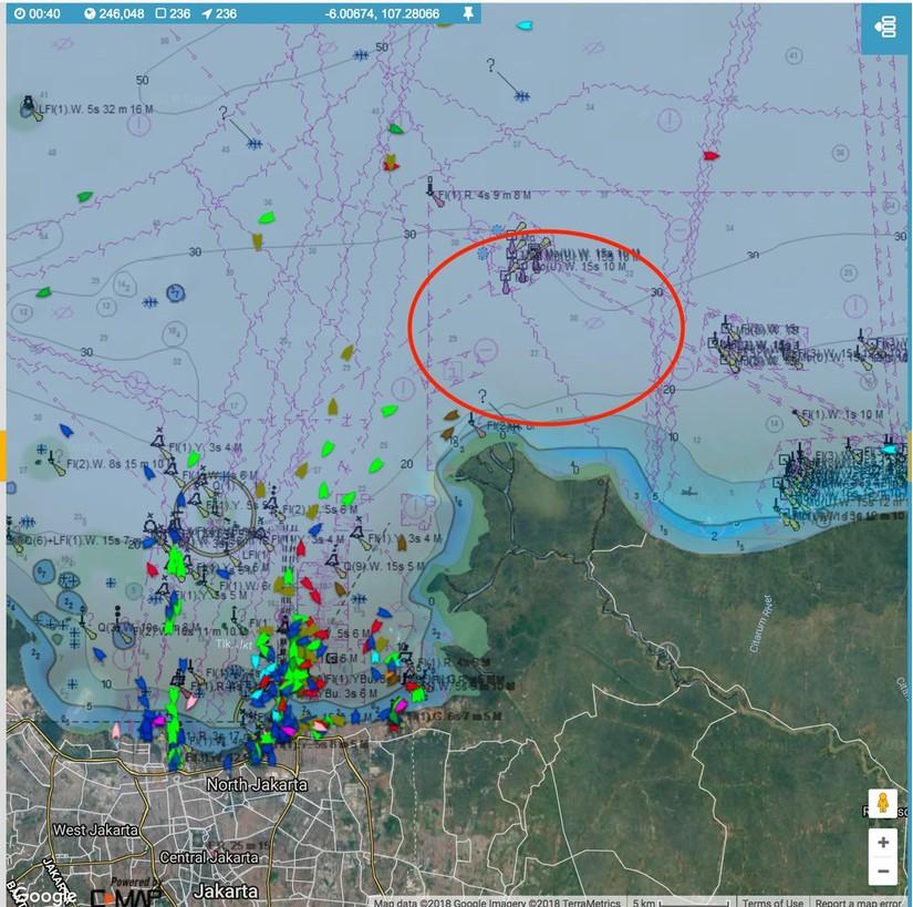 Hiện trường máy bay Indonesia chở 189 người rơi xuống biển