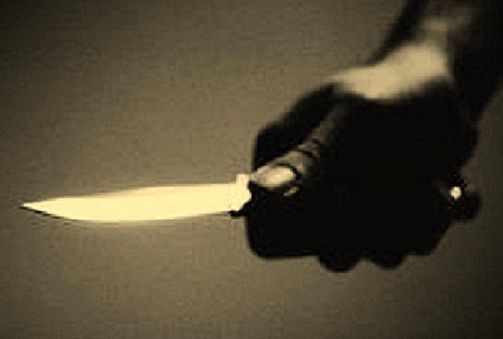 Níu kéo tình cảm không thành, nam sinh lớp 12 rút dao đâm bạn gái