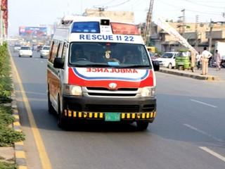 2 nhân viên y tế cưỡng hiếp tập thể thiếu nữ trong xe cứu thương