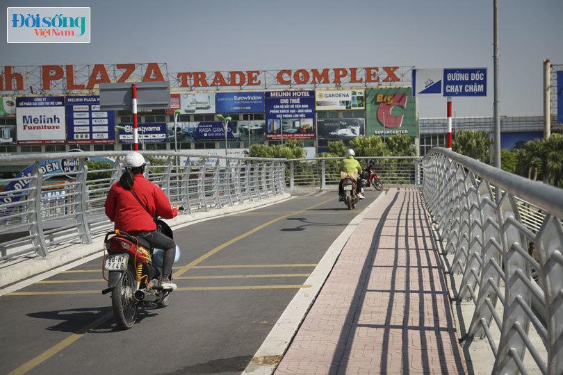 Cây cầu duy nhất ở Hà Nội chỉ dành cho người đi bộ, xe thô sơ và xe máy đi qua7