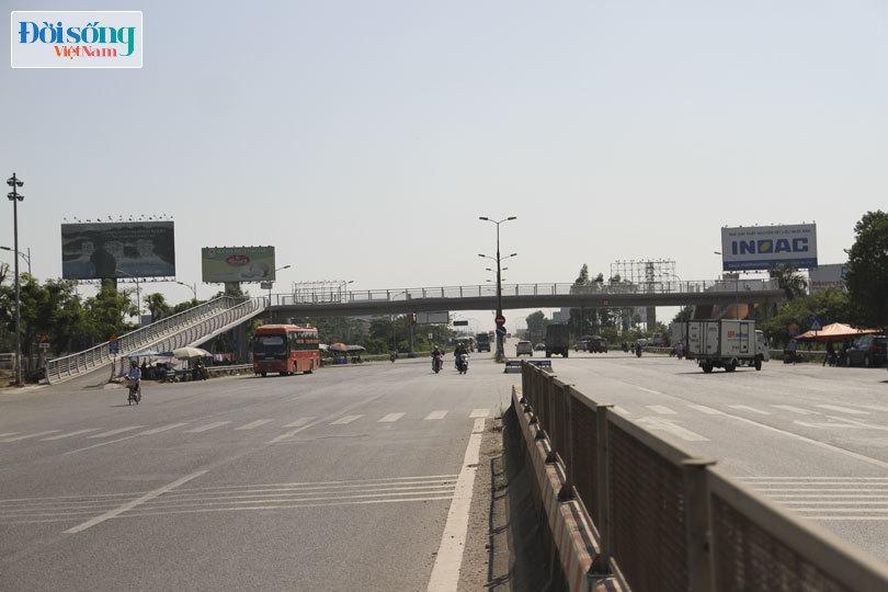 Cây cầu duy nhất ở Hà Nội chỉ dành cho người đi bộ, xe thô sơ và xe máy đi qua