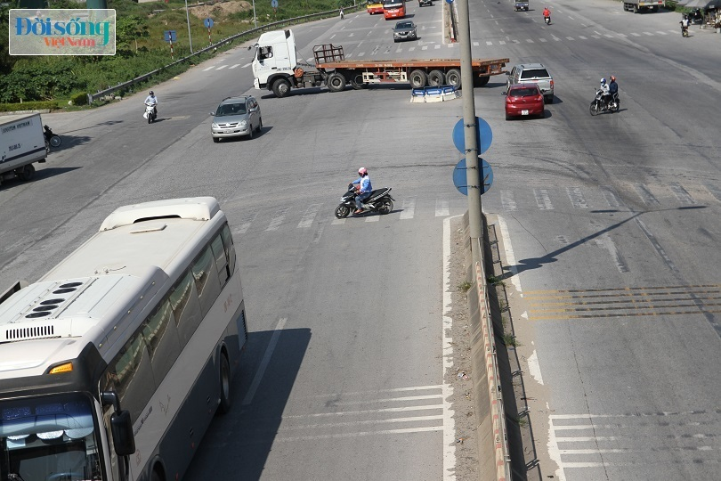 Cây cầu duy nhất ở Hà Nội chỉ dành cho người đi bộ, xe thô sơ và xe máy đi qua16