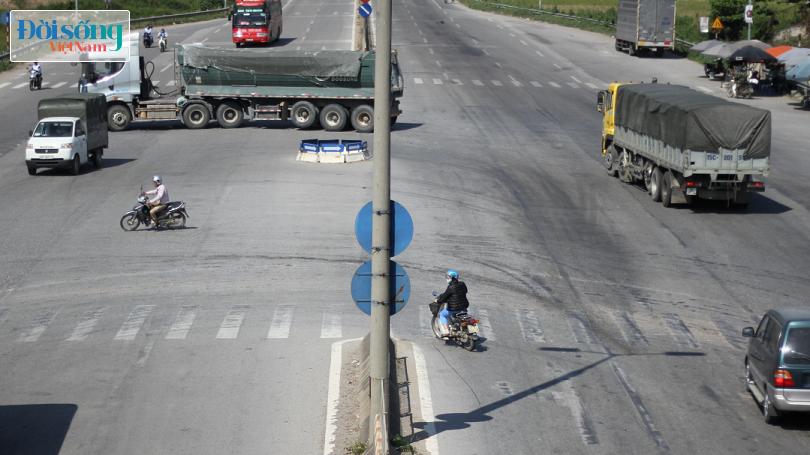 Cây cầu duy nhất ở Hà Nội chỉ dành cho người đi bộ, xe thô sơ và xe máy đi qua17