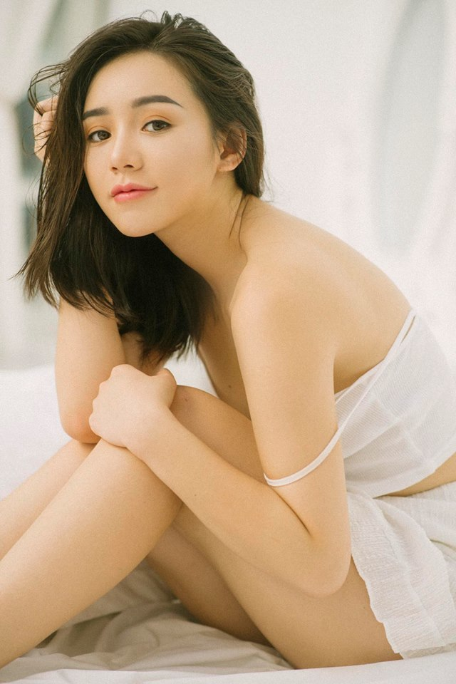 Diễn viên Quỳnh Kool buông lơi vai trần, khoe vẻ sexy9