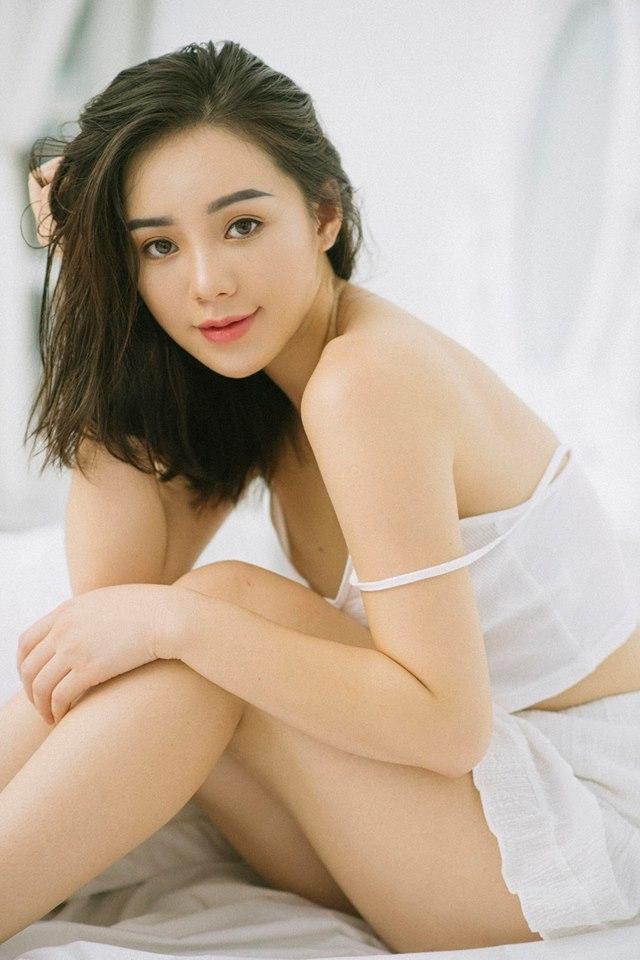 Diễn viên Quỳnh Kool buông lơi vai trần, khoe vẻ sexy11