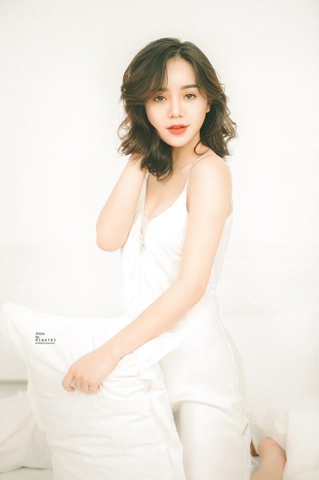 Diễn viên Quỳnh Kool buông lơi vai trần, khoe vẻ sexy13