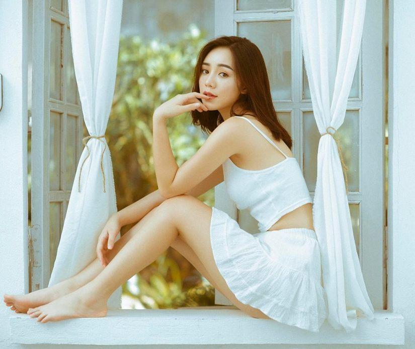 Diễn viên Quỳnh Kool buông lơi vai trần, khoe vẻ sexy5
