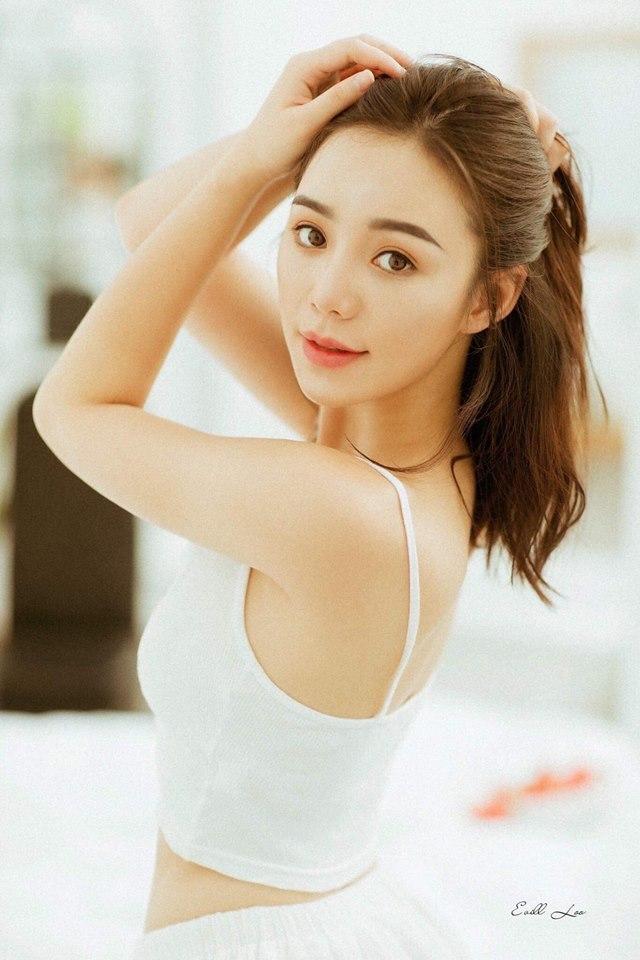 Diễn viên Quỳnh Kool buông lơi vai trần, khoe vẻ sexy4