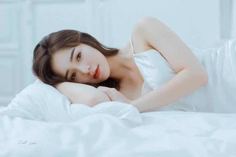 Diễn viên Quỳnh Kool buông lơi vai trần, khoe vẻ sexy8