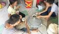 Vì sao người mẹ có con bị kẻ nhiễm HIV xâm hại ở Ninh Bình muốn tòa xử công khai?