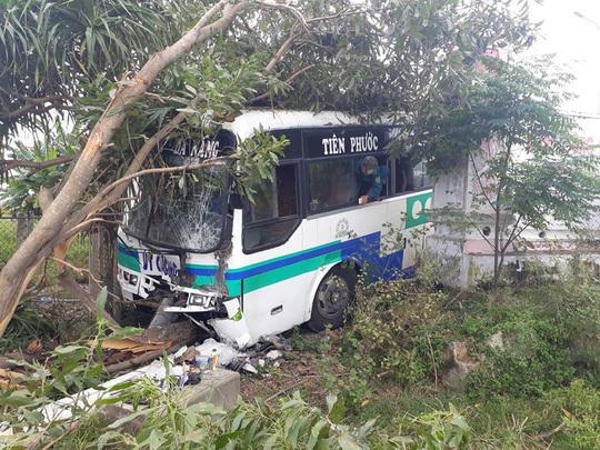 Quảng Nam: Liên tiếp 2 vụ tai nạn xe khách khiến 1 người tử vong tại chỗ